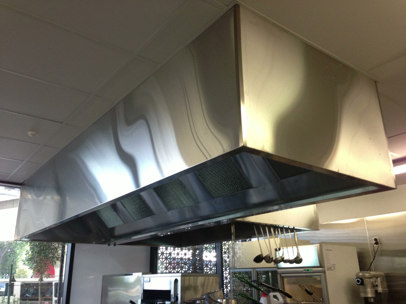 commercial-kitchen-ventilation-hood-installation-1